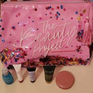 Shoppers Drug Market makeup case and mini samples